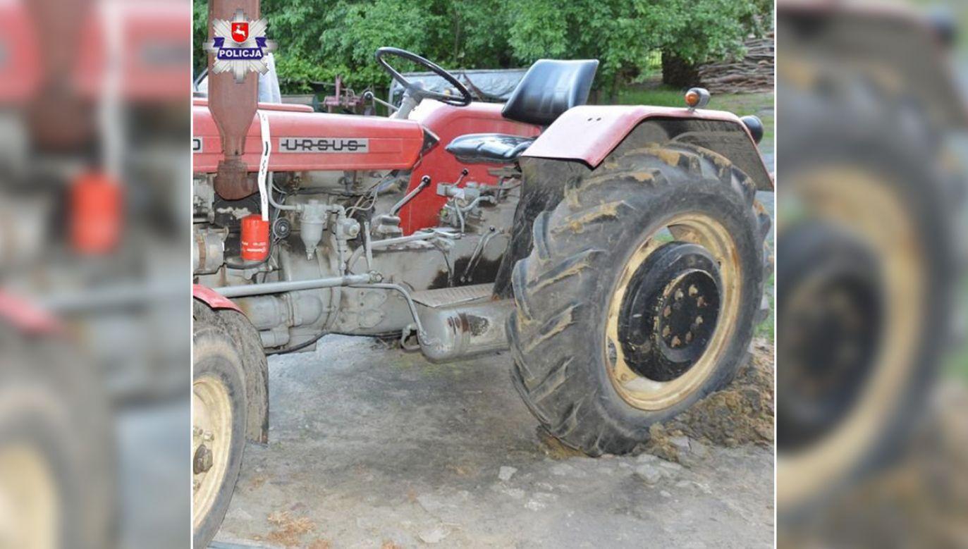 Traktor tylnym kołem przejechał po tułowiu męzczyzny (fot. lubelska.policja.gov.pl)