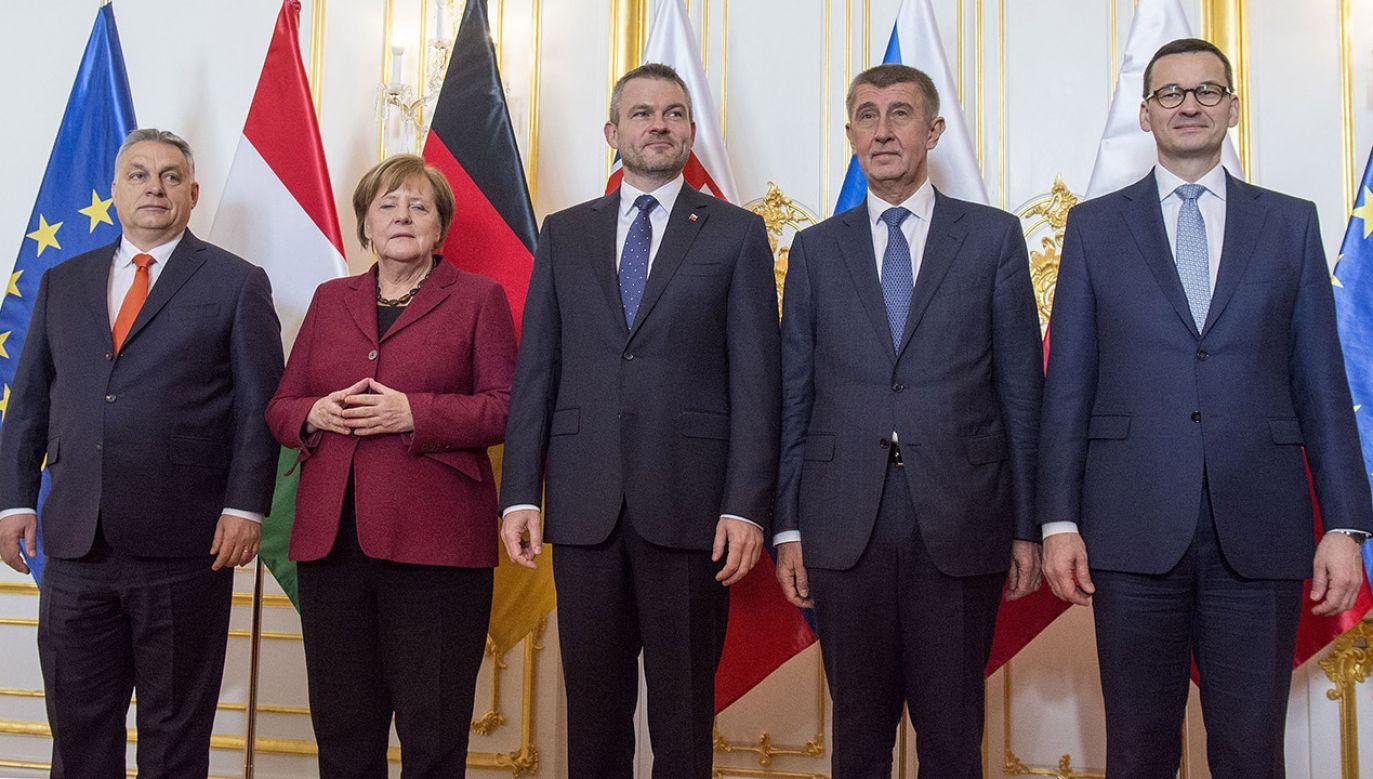 Szczyt grupy V4 wraz z kanclerz Niemiec (fot. arch.PAP/CTK Photo/Martin Mikula)