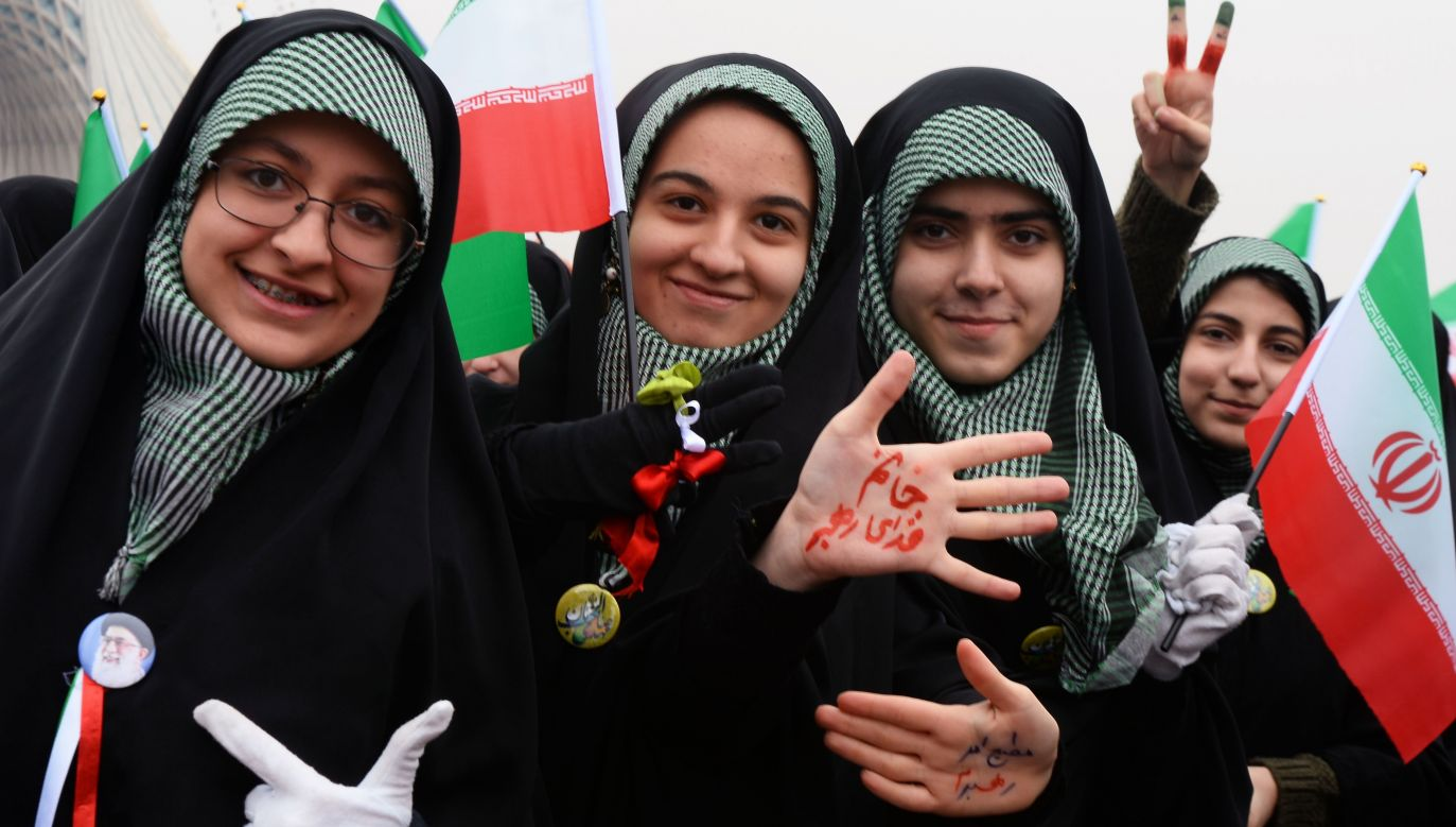 Irańskie studentki w Teheranie podczas obchodów 40. rocznicy Rewolucji Islamskiej 11 lutego 2019. Fot. Fatemeh Bahrami/Anadolu Agency/Getty Images