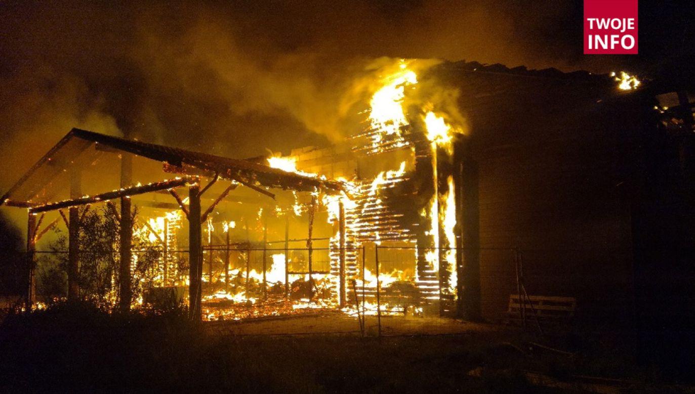 Strażacy uważają, że doszło do podpalenia (fot. Twoje Info/OSP)