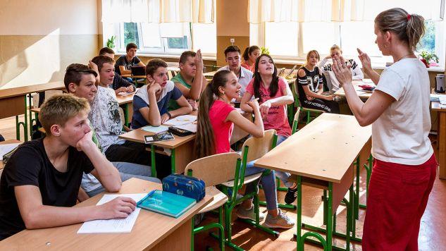Węgierska szkoła w Użhorodzie (węg. Ungvár) na Ukrainie. Zdaniem Kántora węgierska mniejszość na tym terenie nie przetrwałaby bez wsparcia Budapesztu (fot. PAP/EPA/Janos Nemes)