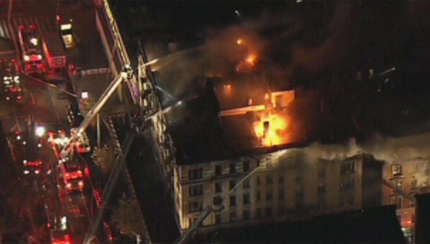 Pożar domu na nowojorskim Manhattanie (fot. TVP Info)