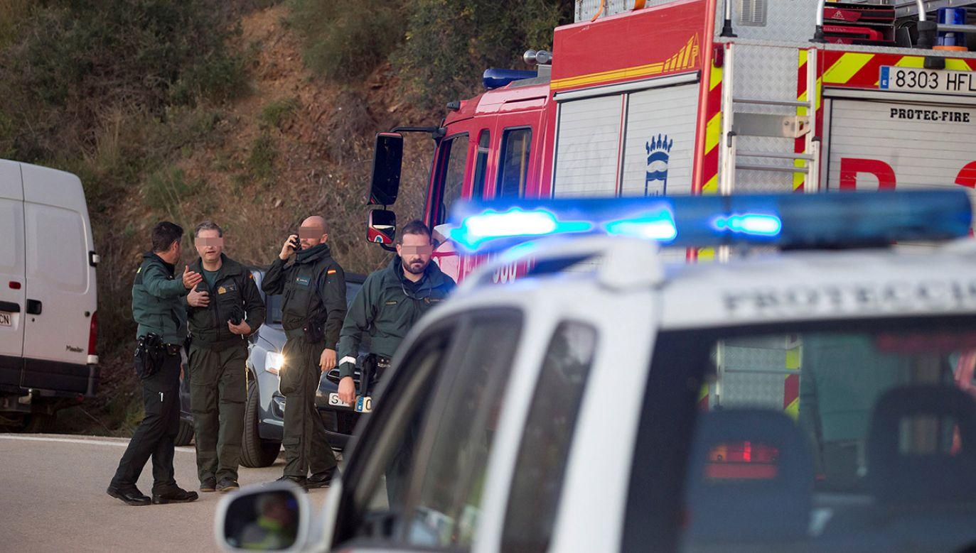 Dziecko wpadło do dziury w niedzielę. Rodzice, burmistrz i media krytykują opieszałość akcji ratunkowej (fot. PAP/EPA/DANIEL PEREZ)
