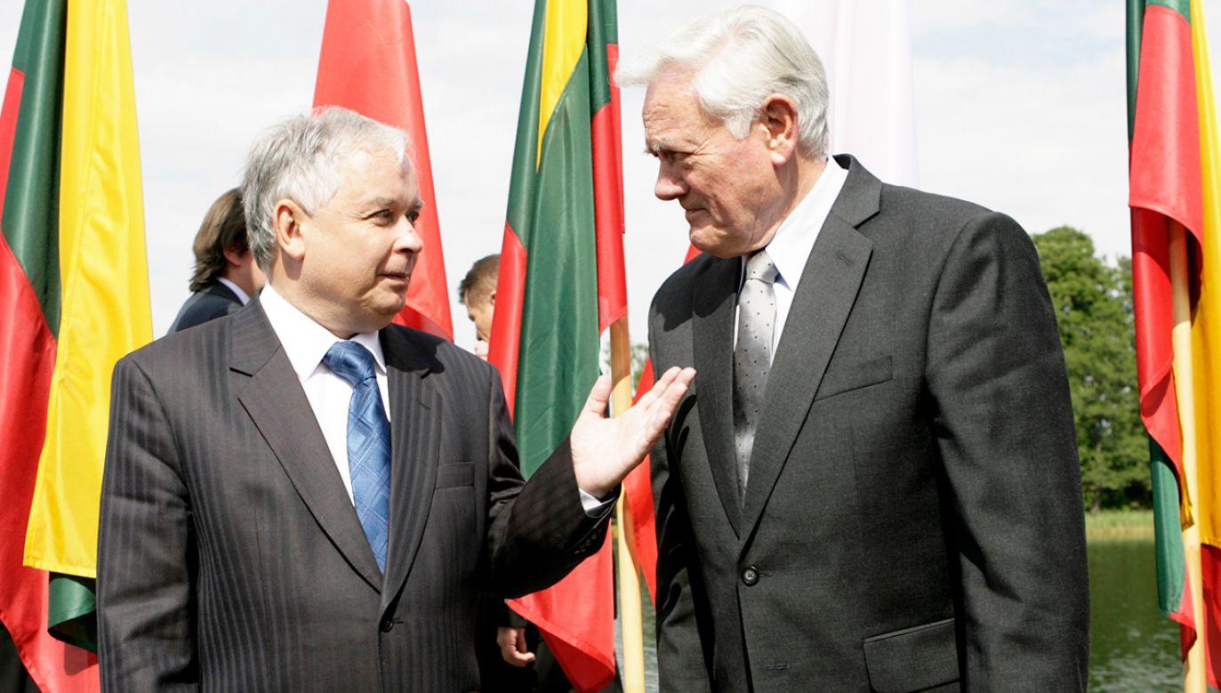 Były prezydent Lech Kaczyński i były prezydent Litwy Valdas Adamkus (fot. REUTERS/Ints Kalnins)