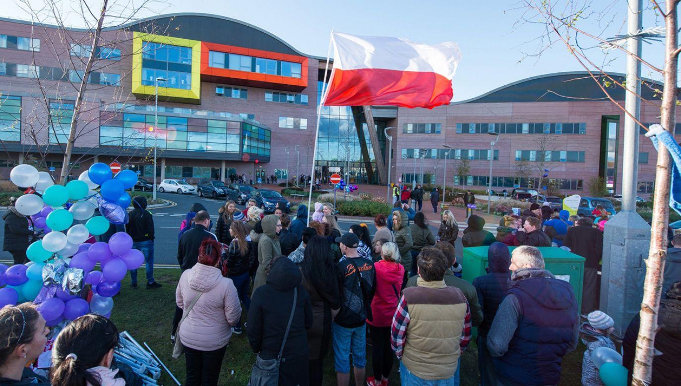 Beata Szydło o ratowaniu Alfiego Evansa: Europa się zagubiła (fot. PAP/EPA/PETER POWELL)