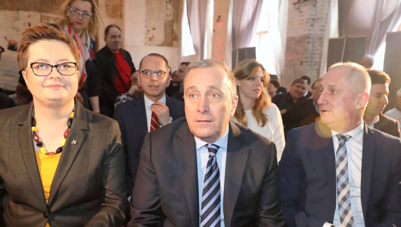 Zdaniem prof. Jabłońskiego, konkrety w wypowiedziach liderów Koalicji Europejskiej zastępuje demagogia (fot. PAP/Tomasz Gzell)