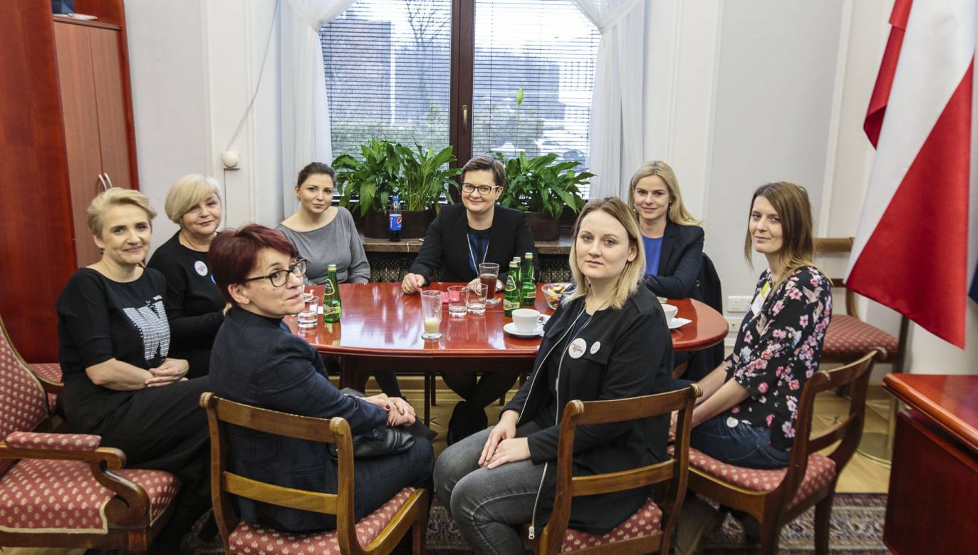Spotkanie z aktywistkami inicjatywy Ratujmy Kobiety w Sejmie (fot. twitter.com/KLubnauer)