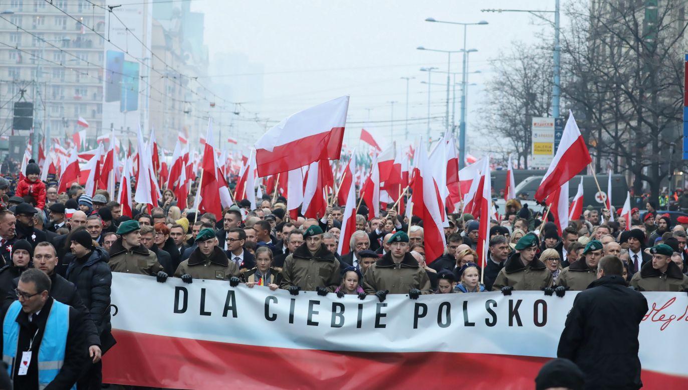 W pochodzie udział wzięli mieszkańcy Warszawy, politycy oraz żołnierze Wojska Polskiego (fot. PAP/Tomasz Gzell)
