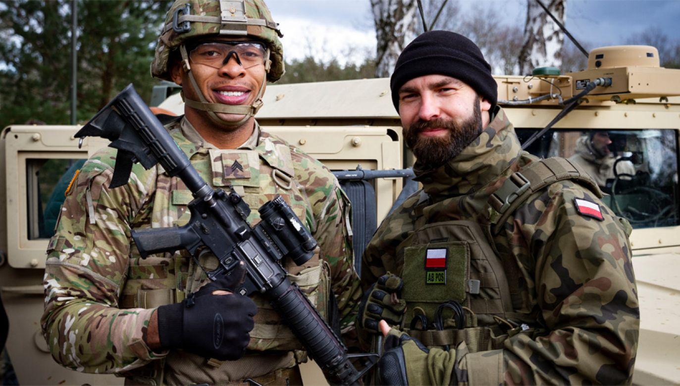 Współpraca między amerykańskimi a polskimi żołnierzami się zacieśnia (fot. U.S. Army Sgt. Thomas Mort)