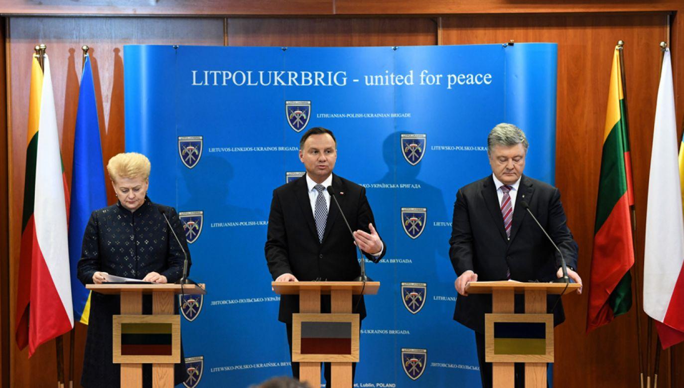 Prezydent Andrzej Duda, prezydent Litwy Dalia Grybauskaite i prezydent Ukrainy Petro Poroszenko (fot. PAP/Wojciech Pacewicz)