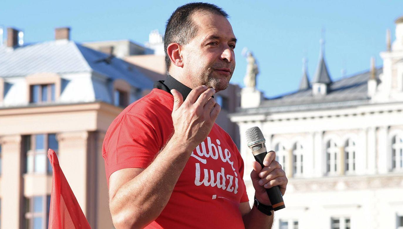 Decyzja wiąże się z artykułem Onetu, który opisuje mobbing w Wiośnie (fot. arch.PAP/Jacek Bednarczyk