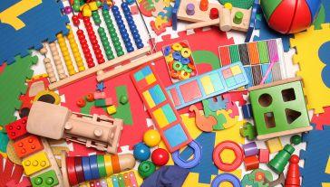 Prawie co trzecia sprawdzana zabawka wzbudziła zastrzeżenia kontrolerów (fot. Shutterstock/Mikhail Rulkov)