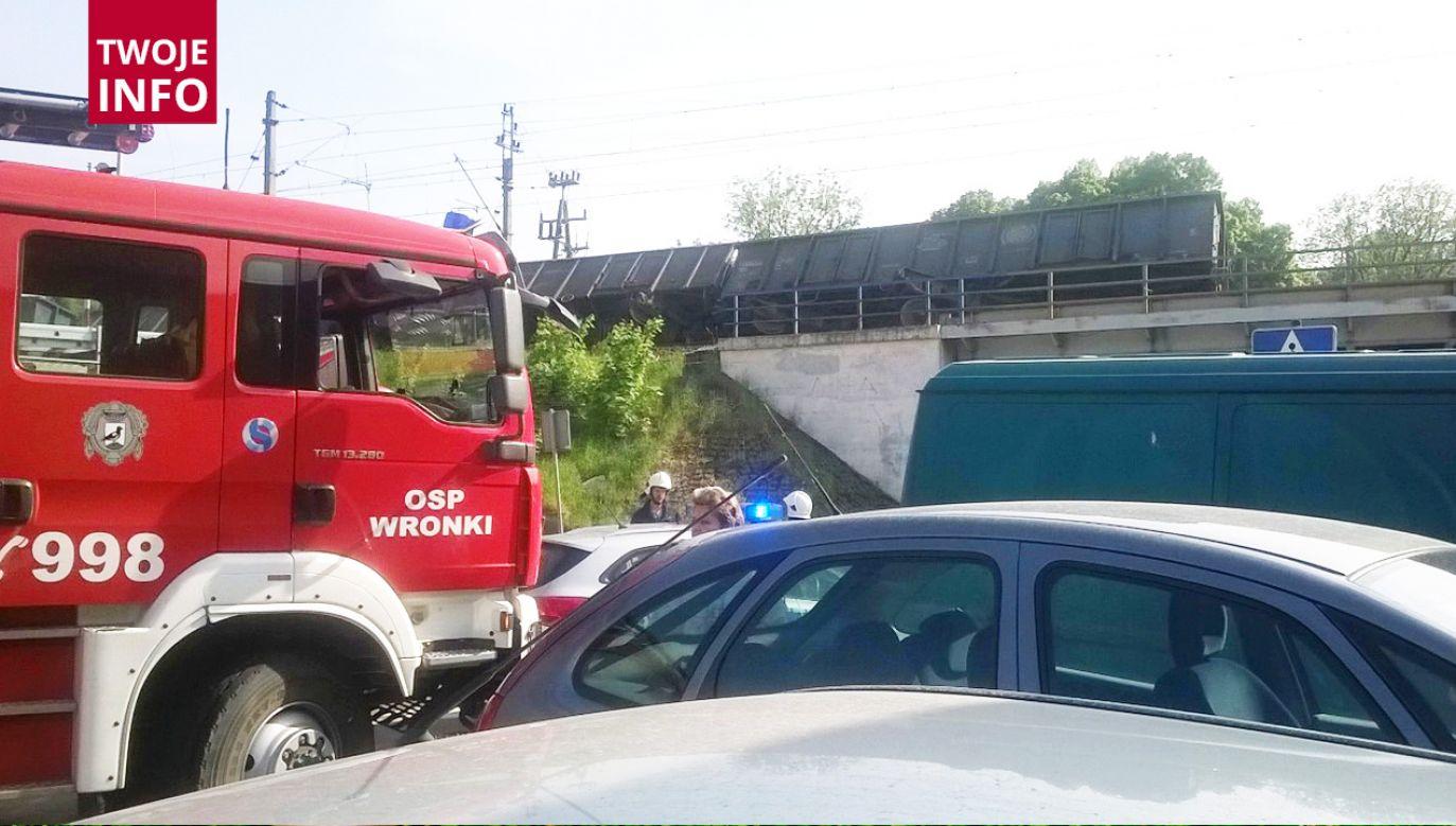 12 wagonów z węglem wykoleiło się we Wronkach (fot. Twoje Info)