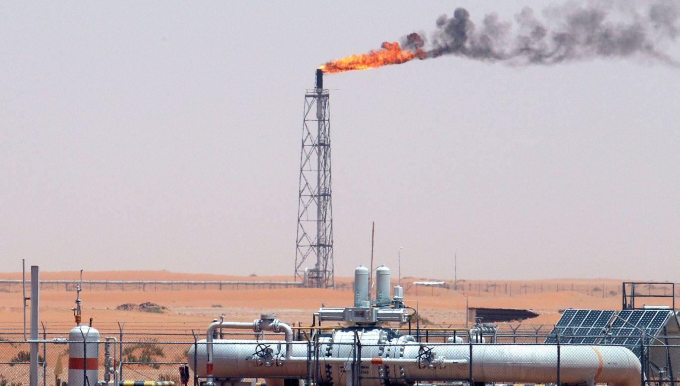 Rijad zarzuca Iranowi, że zlecił niedawne ataki dronów na saudyjskie przepompownie ropy naftowej (fot. PAP/EPA/ALI HAIDER)