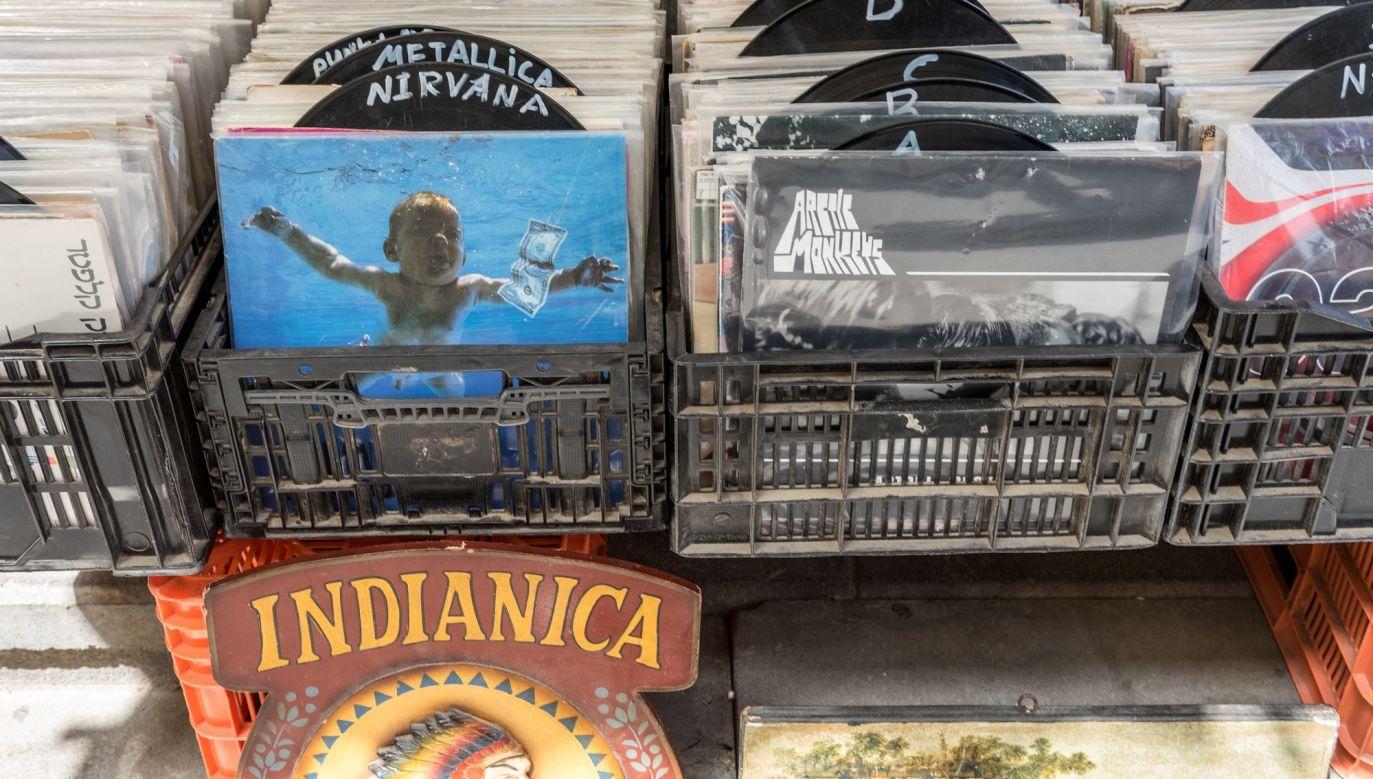 Czy płyty CD wylądują na pchlich targach z antykami i gadżetami? Fot. Michael Jacobs / Art in All of Us / Corbis za pośrednictwem Getty Images