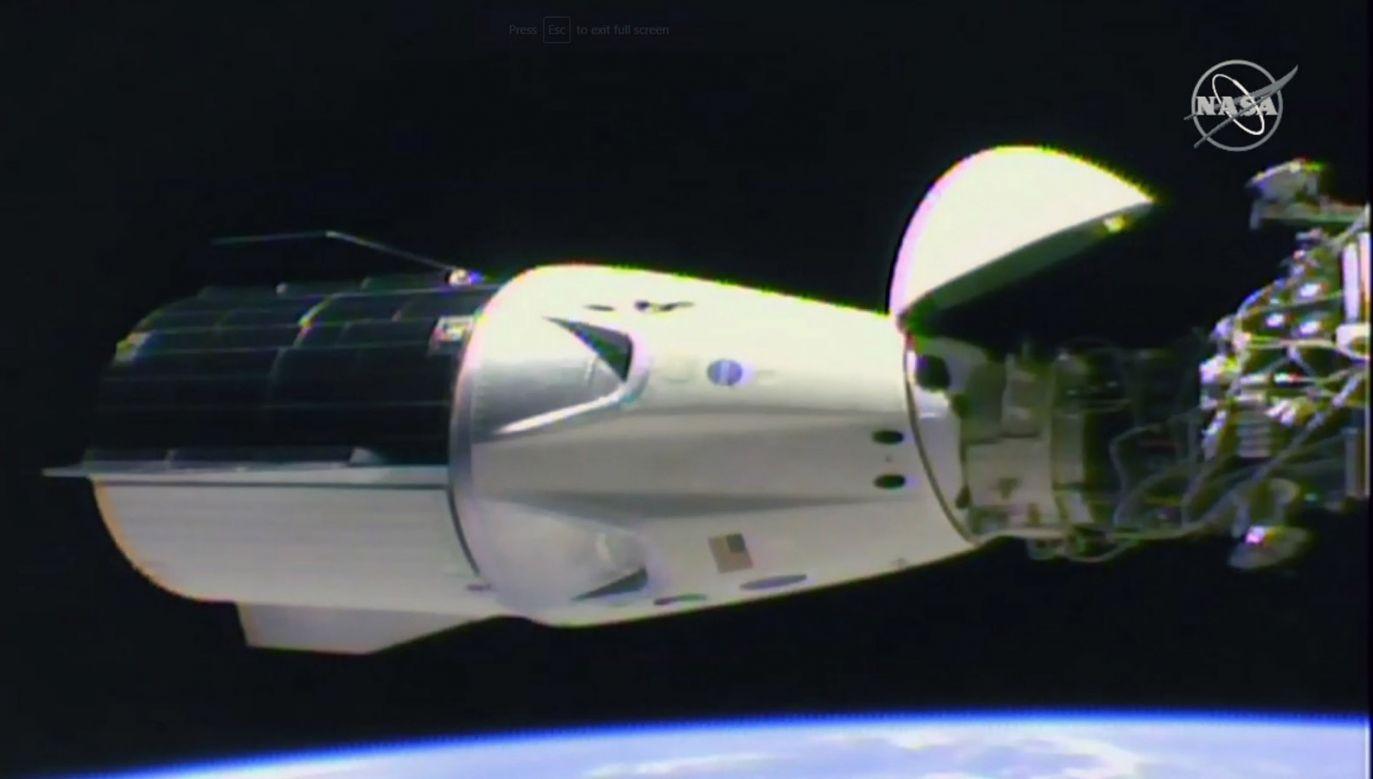 Kapsuła Crew Dragon (fot. PAP/EPA/NASA TV)