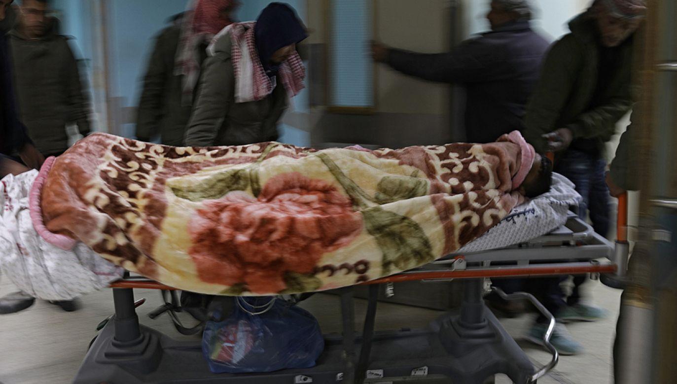 Ranni Palestyńczycy po nalocie izraelskim (fot. PAP/EPA/MOHAMMED SABER)