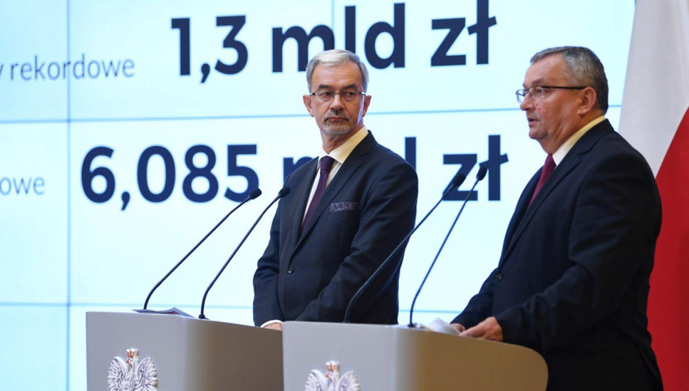 Rząd przyjął projekt ustawy o Funduszu Dróg Samorządowych (fot. PAP/Bartłomiej Zborowski)