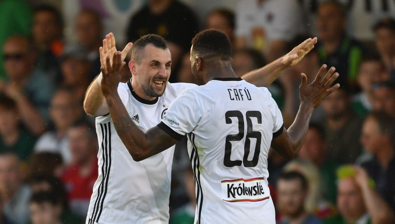 Michał Kucharczyk (L) scored a winning goal against Cork City. Photo: PAP/Bartłomiej Zborowski