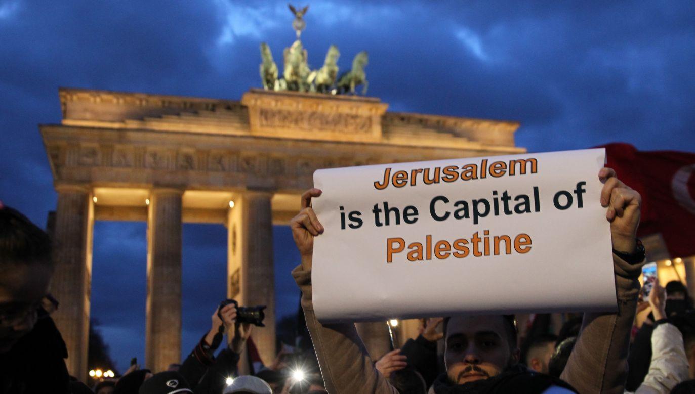 Protesty na ulicach Berlina po decyzji prezydenta Trumpa o uznaniu Jerozolimy za stolicę Izraela (fot. Erbil Basay/Anadolu Agency/Getty Images)