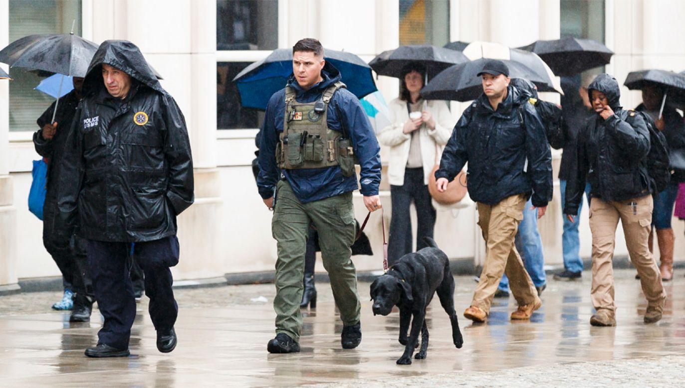 Amerykańskie władze przedsięwzięły najwyższe środki ostrożności (fot. PAP/EPA/JUSTIN LANE)