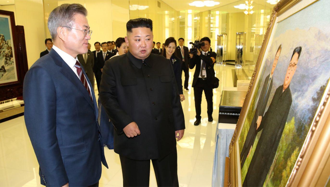 Mun Dze In i Kim Dzong Un spotykają się już po raz trzeci w tym roku (fot. PAP/EPA/PYONGYANG PRESS CORPS / POOL)