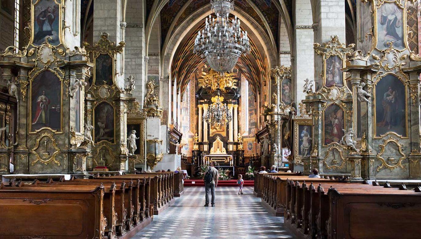 Wiernych kościoła katolickiego jest w Polsce prawie 33 mln (fot. Shutterstock/Kapa1966)