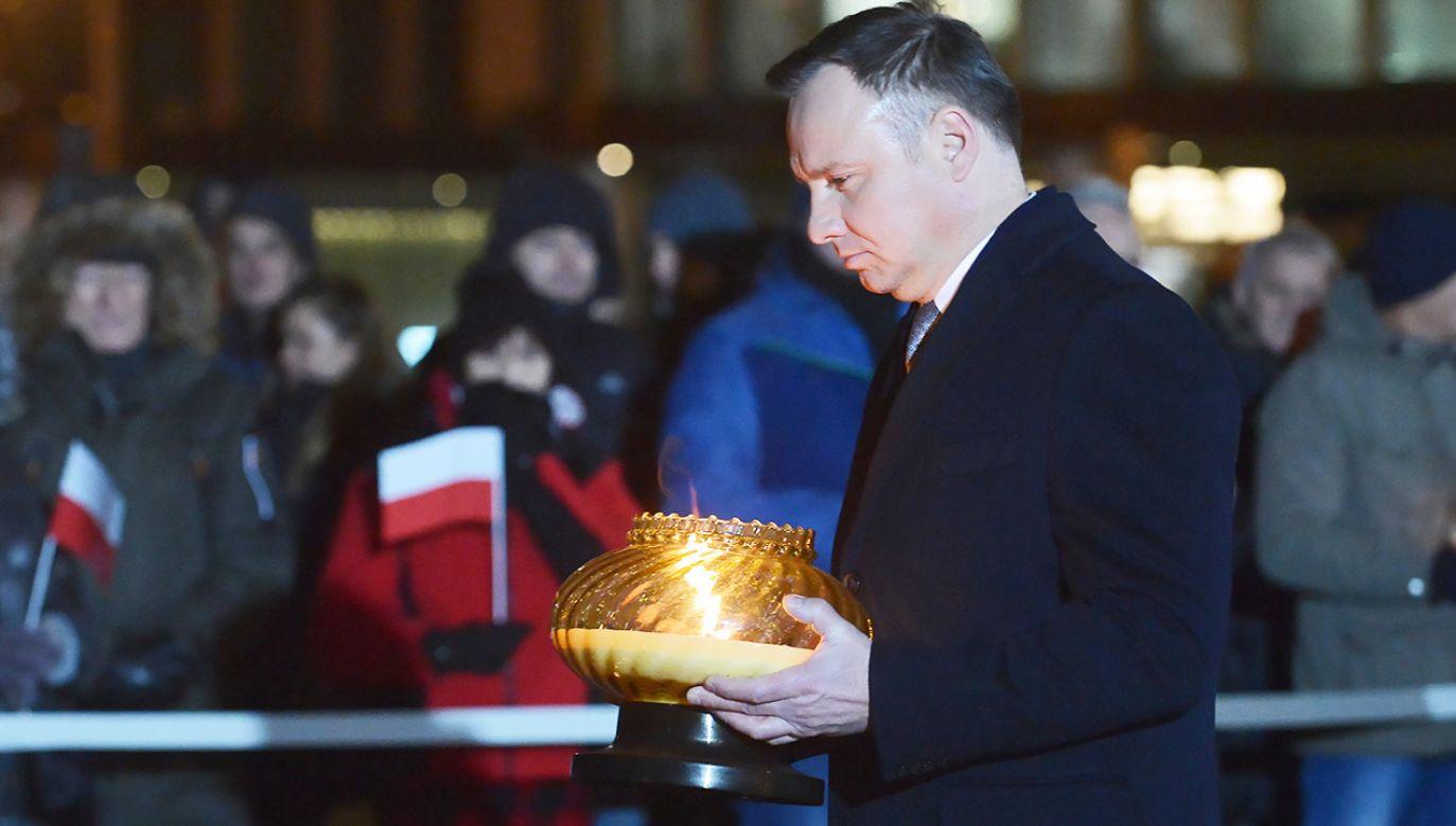 Prezydent Duda wziął udział w uroczystościach na pl. Piłsudskiego (fot. PAP/Marcin Obara)