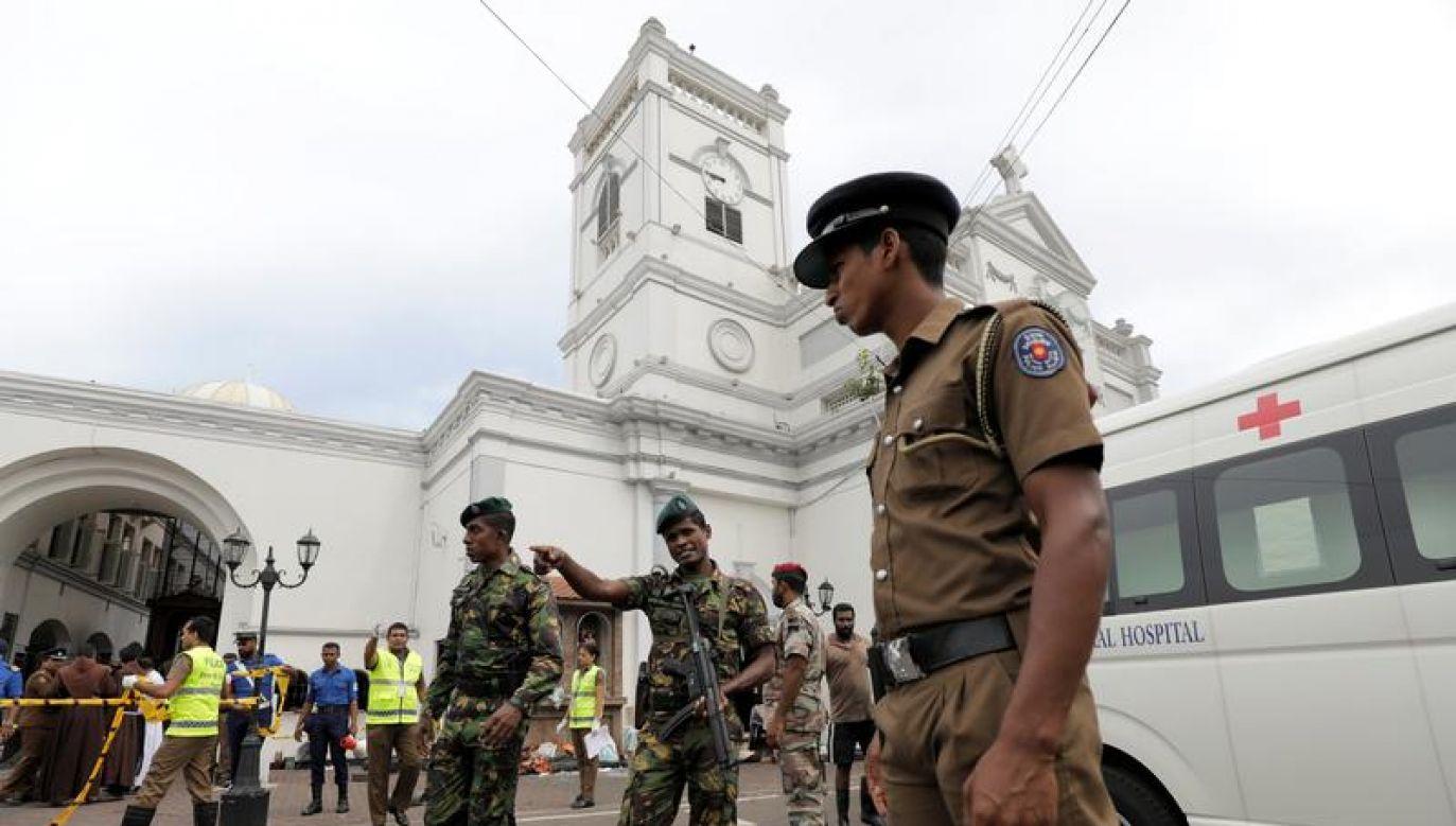 Do eksplozji doszło prawie jednocześnie w trzech kościołach w czasie mszy świętej i trzech hotelach (fot. REUTERS/Dinuka Liyanawatte)