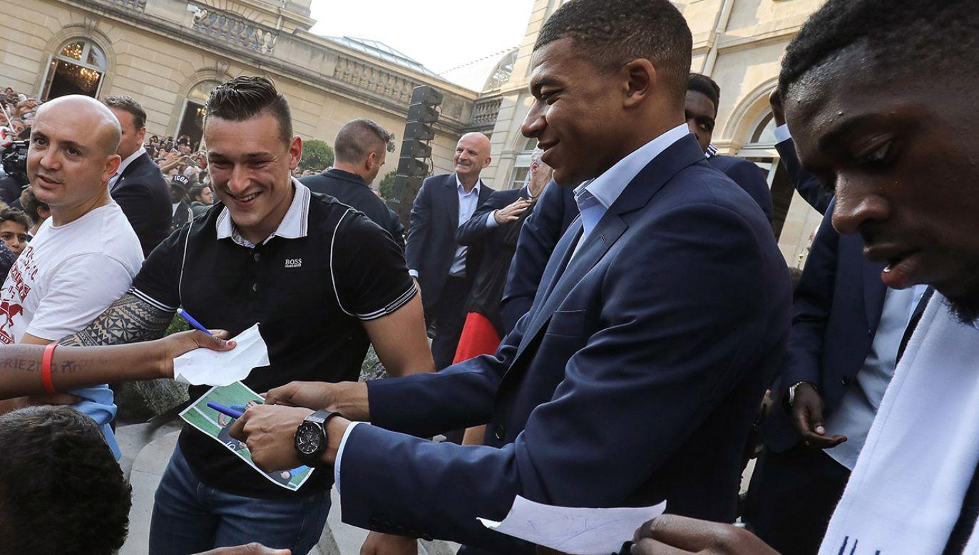 Francuski piłkarz zdobył w finale przeciwko Chorwacji jedną bramkę (fot. PAP/ EPA/LUDOVIC MARIN / POOL MAXPPP)