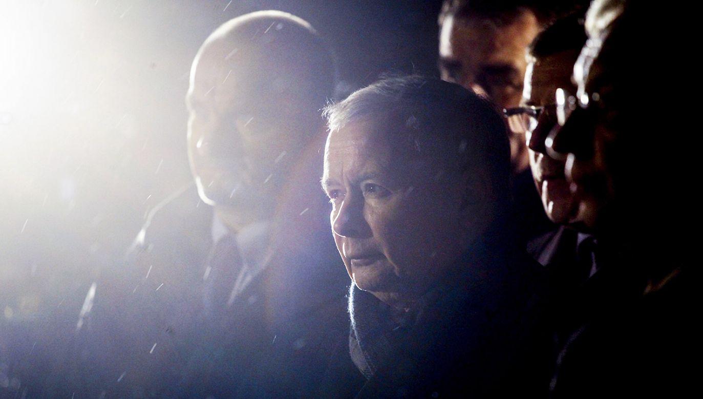Prezes PiS w Starachowicach na wiecu upamiętniającym zmarłą Jadwigę Kaczyńską (fot. arch. PAP/Michał Walczak)