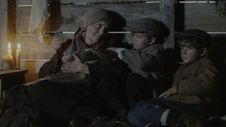 """""""Stulecie Winnych"""": Rodzinne zgliszcza"""