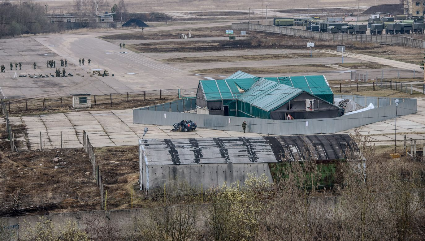 The hangar where the wreckage of the presidential plane is located. Photo: PAP/Wojciech Pacewicz