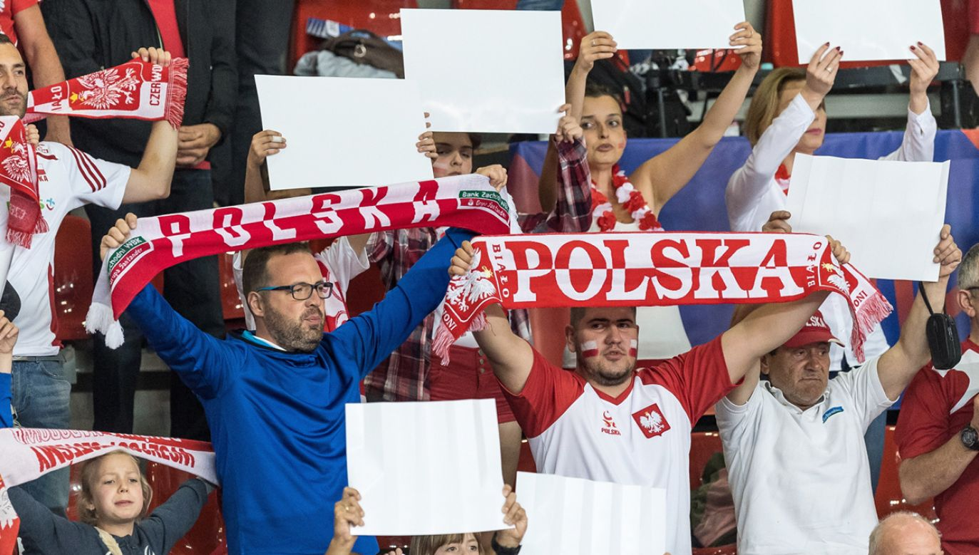 Wszystkie myśli polskich kibiców krążą dzisiaj wokół meczu reprezentacji (fot. PAP/Maciej Kulczyński)