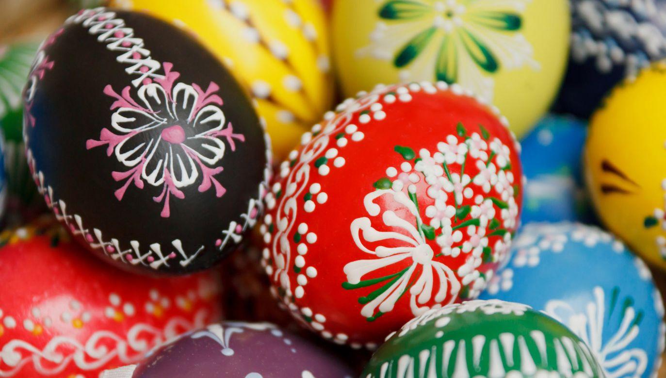 Zwyczaj malowania jaj na Wielkanoc jest silnie zakorzeniony w polskiej tradycji (fot. publicdomainpictures.net/Vera Kratochvil)