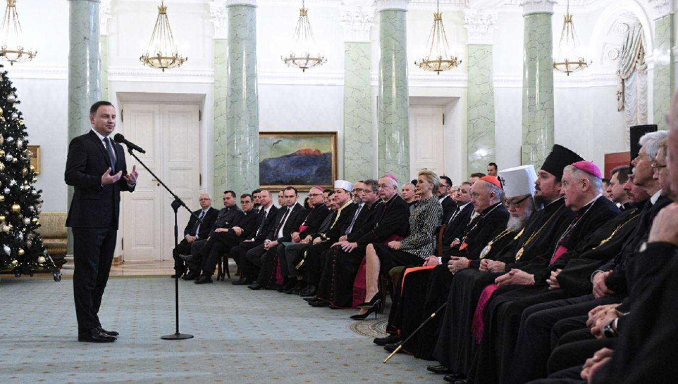 Prezydent Andrzej Duda podczas spotkania noworocznego z przedstawicielami religii oraz mniejszości narodowych i etnicznych (fot. PAP/Jacek Turczyk)