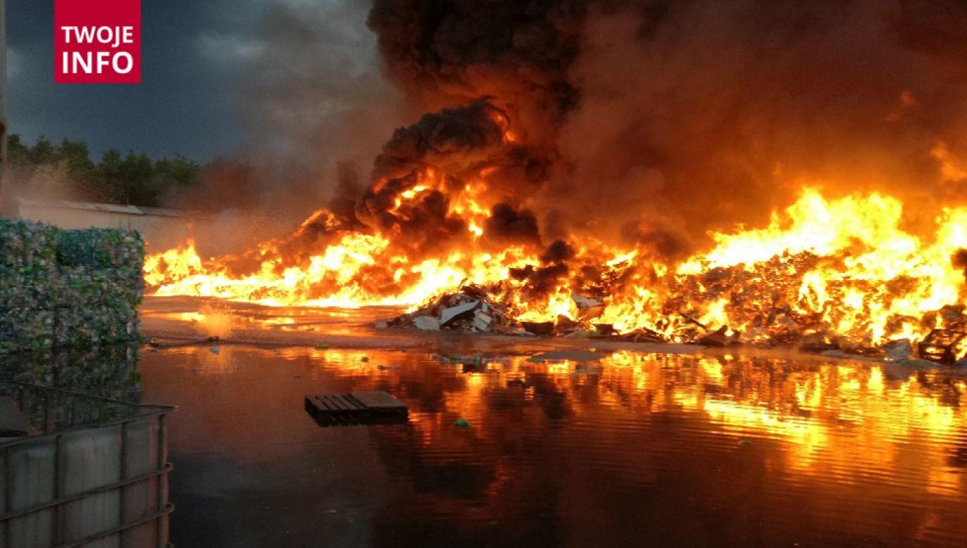 Pożar składowiska odpadów w Gorlicach (fot. Twoje Info)