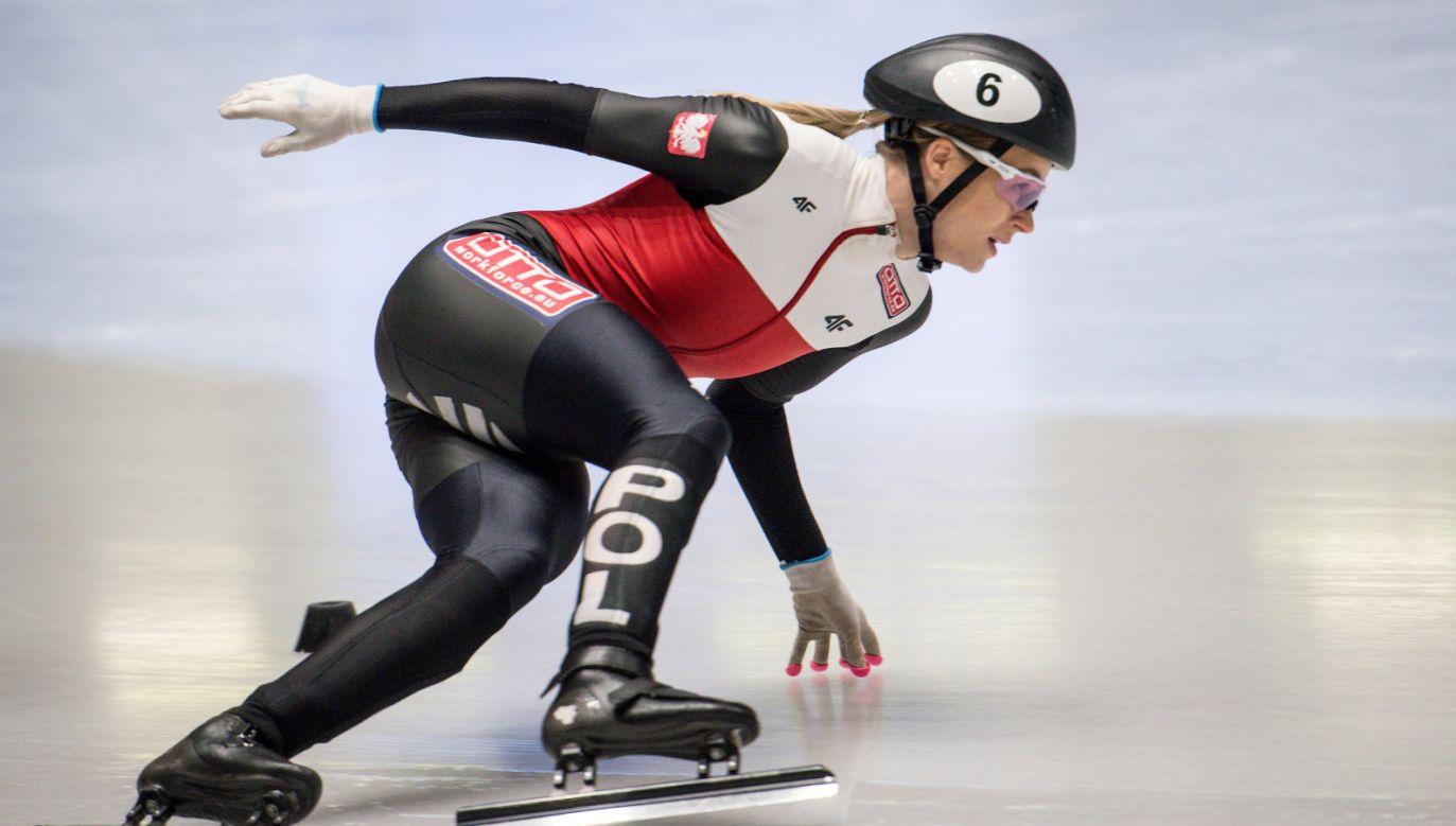 Natalia Maliszewska w biegu finałowym na 500 m podczas zawodów Pucharu Świata w short tracku w Turynie (fot. PAP/Paweł Skraba)