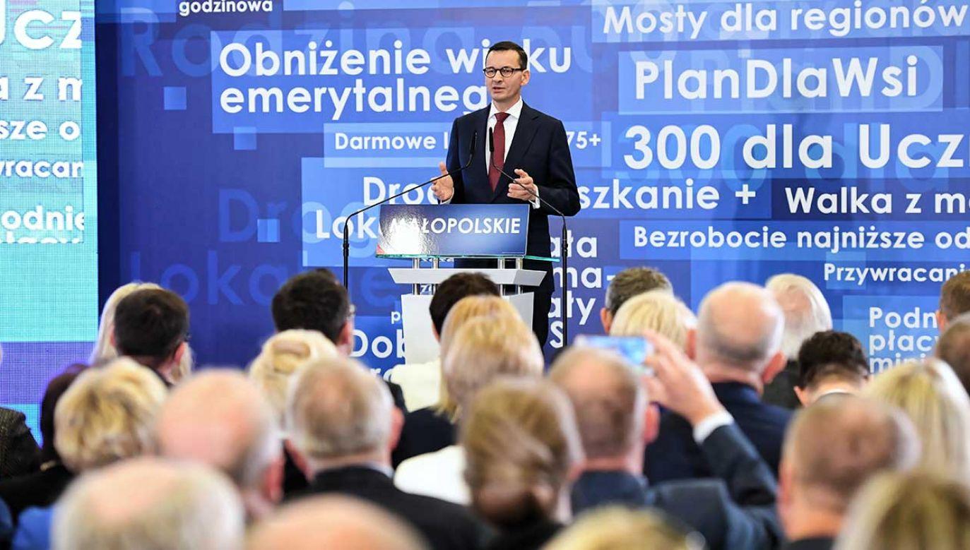 Premier Mateusz Morawiecki podczas regionalnej konwencji wyborczej Prawa i Sprawiedliwości w Krakowie (fot. arch. PAP/Jacek Bednarczyk)