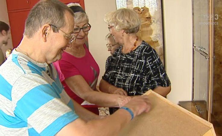 Aktywizują głuchoniemych seniorów