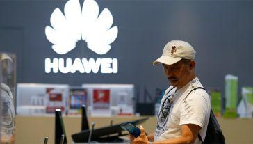 USA nałożyły sankcje na koncern Huawei (fot. PAP/EPA/RUNGROJ YONGRIT)