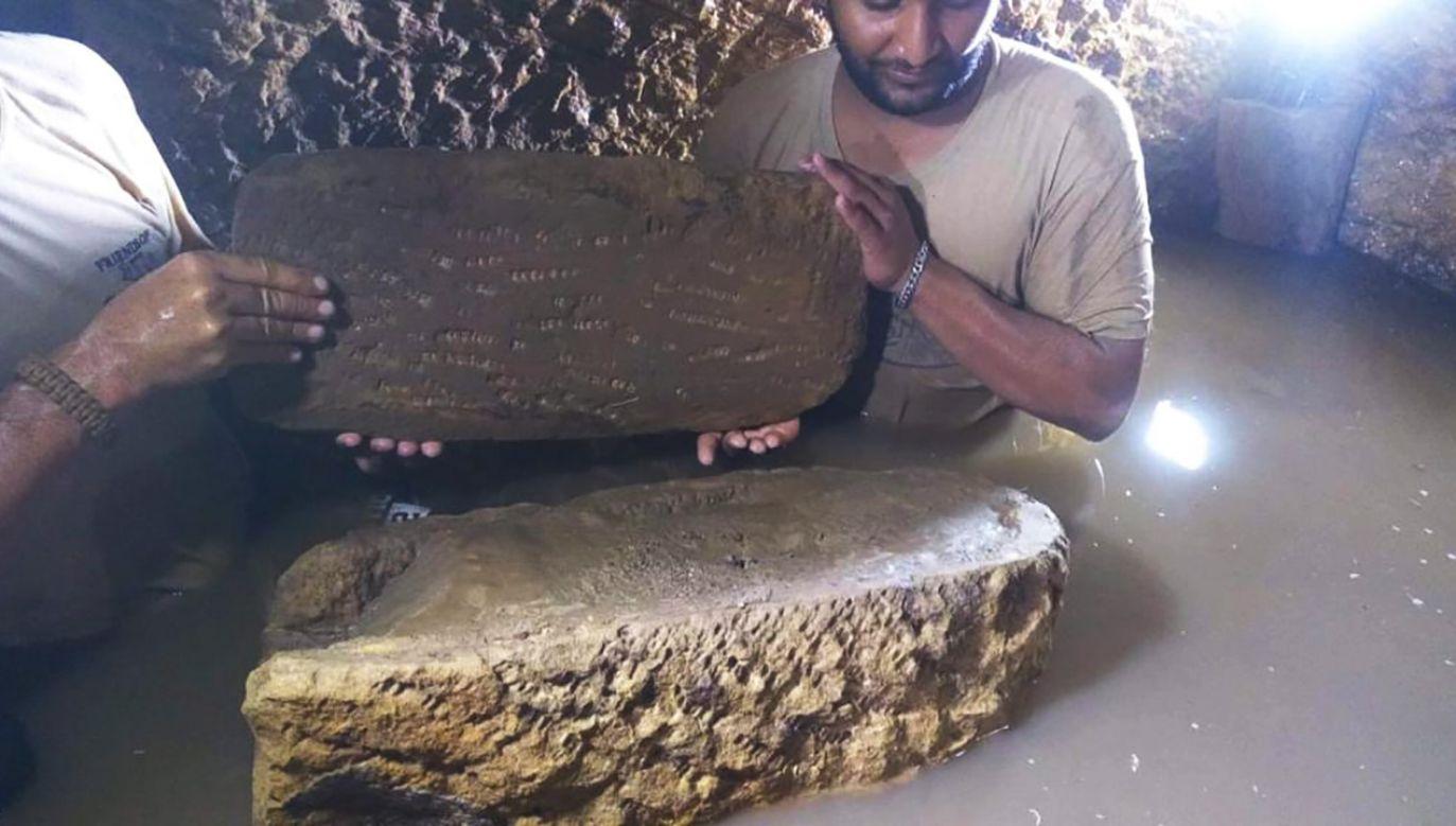Woda, która częściowo zniszczyła zawartość grobowca, resztę zabezpieczyła przed rabusiami (fot. Ministry of Antiquities-Arab Republic of Egypt)