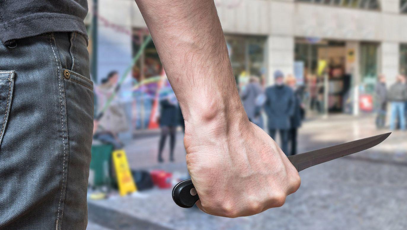 Mężczyzna ugodzony nożem zmarł w wyniku odniesionych obrażeń (fot. Shutterstock/vchal)