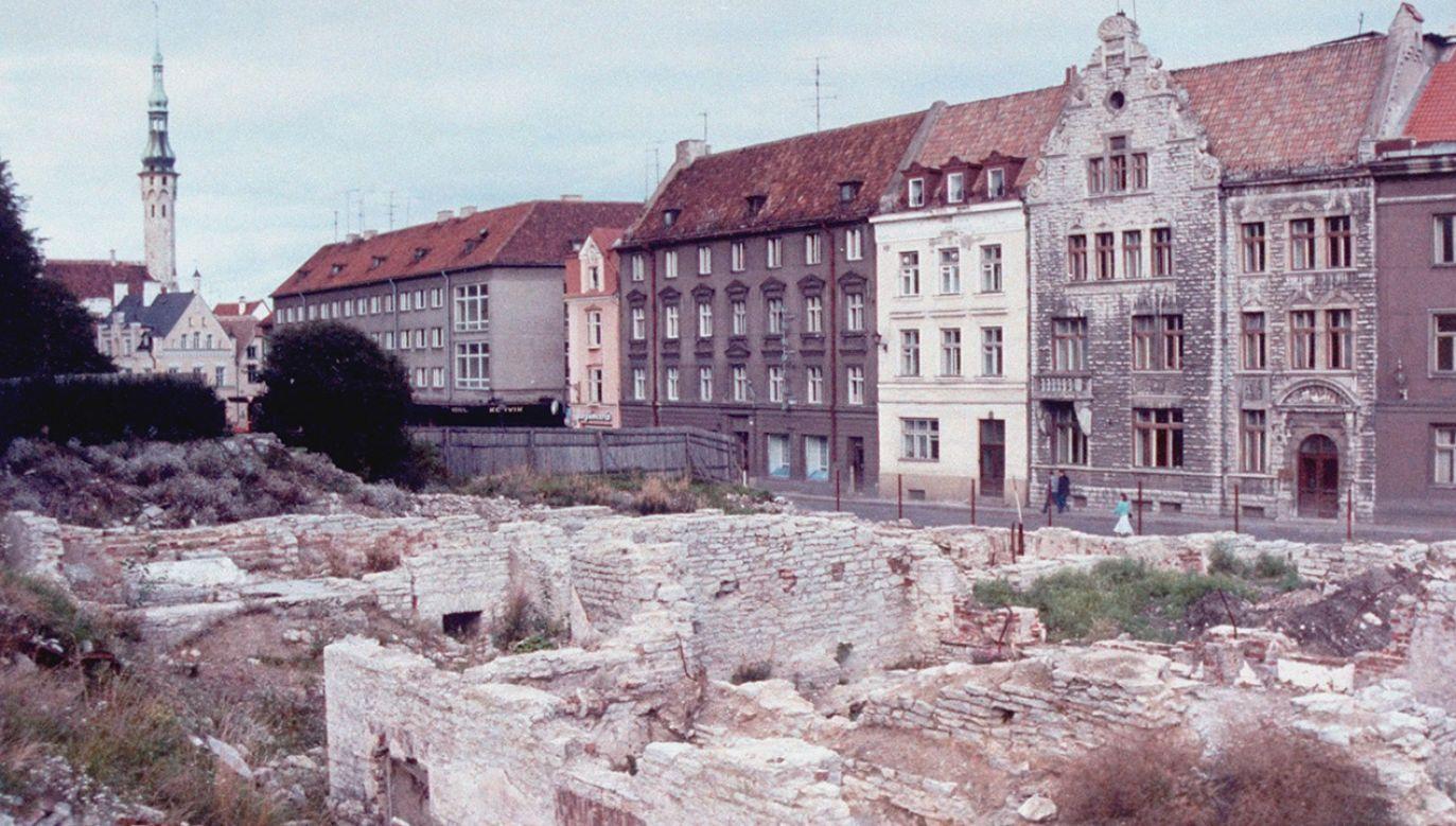 Pół wieku sowieckiej okupacji kosztowało Estonię 89 mld rubli. Standard życia do dziś jest niższy, niż w sąsiedniej Finlandii (fot. Arnold H. Drapkin/The LIFE Images Collection/Getty Images)
