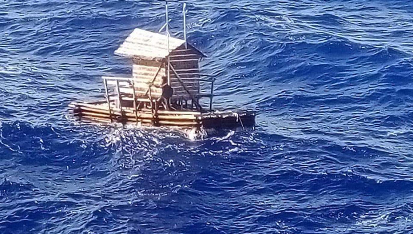 """""""Za każdym razem, gdy widział duży statek, był pełen nadziei""""(fot. PAP/EPA/CONSULATE GENERAL OF INDONESIA IN OSAKA HANDOUT)"""