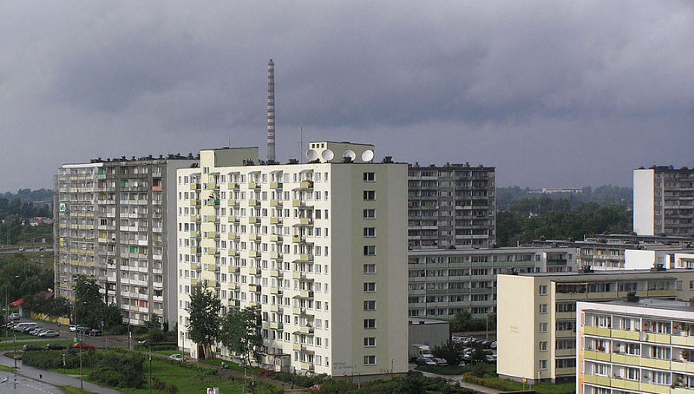 Bloki mieszkalne na os. Na Skarpie w Toruniu (fot. Wikipedia)