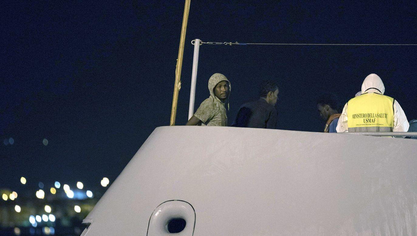 Ponad 100 osób udało się uratować (fot. PAP/EPA/FRANCESCO RUTA)
