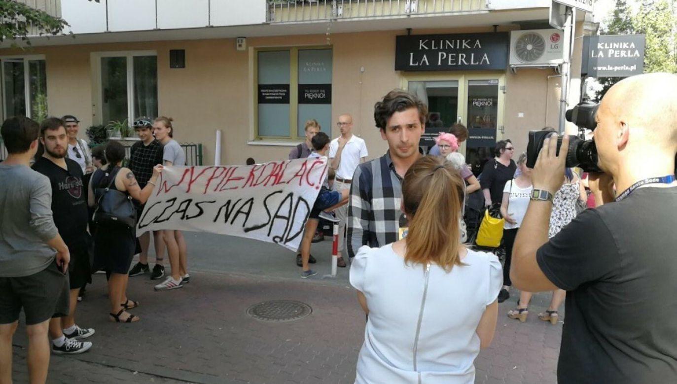 Dawid Winiarski w piątek został zatrzymany przez policję. W sobotę wyszedł z aresztu (fot. twitter/Mariusz Ciarka)