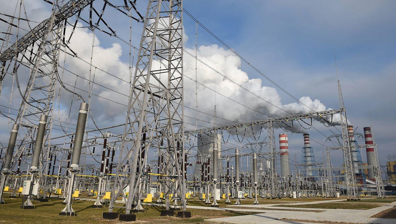 Elektrownia w Kozienicach jest drugą największą w Polsce elektrownią na węgiel kamienny (fot. arch. PAP/Radek Pietruszka)