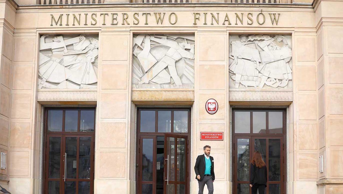Komisja rozpatruje ustawę o zmianie niektórych ustaw w związku ze wzmocnieniem nadzoru nad rynkiem finansowym (fot. arch. PAP/Rafał Guz)